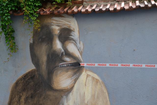 fragile mouth pull street art
