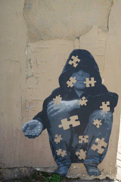 puzzle pieces street art paris